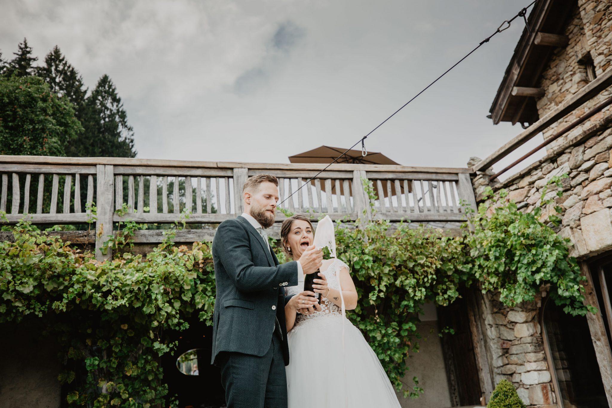 Champagne ontkurken Bruiloft