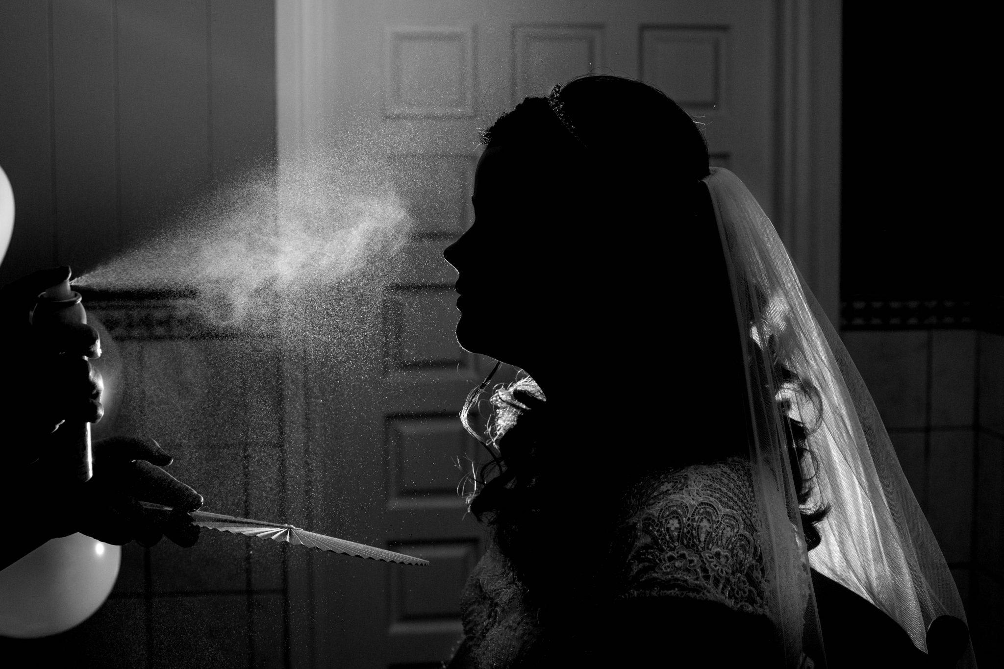 Bruid getting ready voor haar bruiloft | Bruidsfotografie