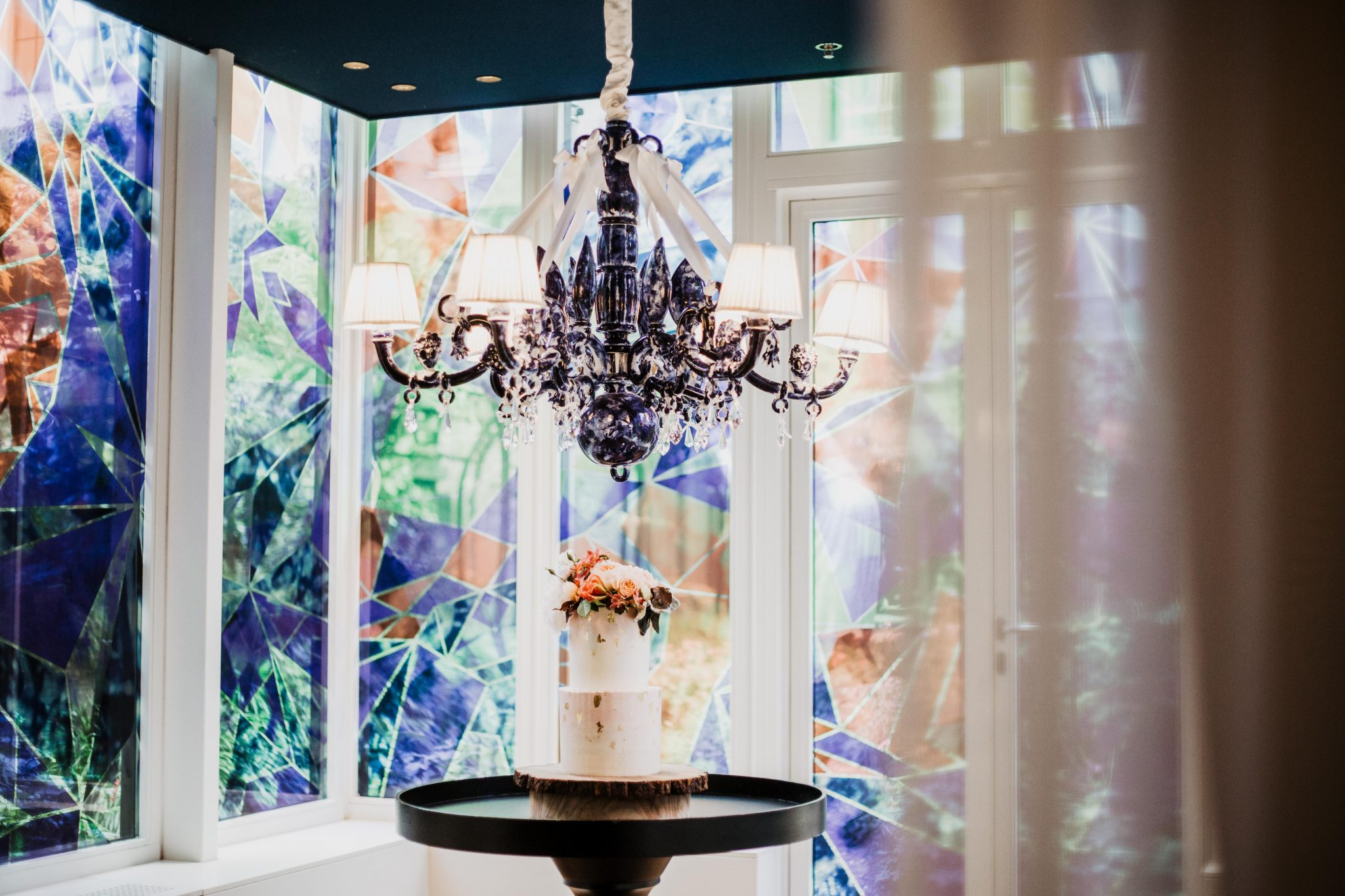 Bruidstaart met bloemen Andaz Hotel