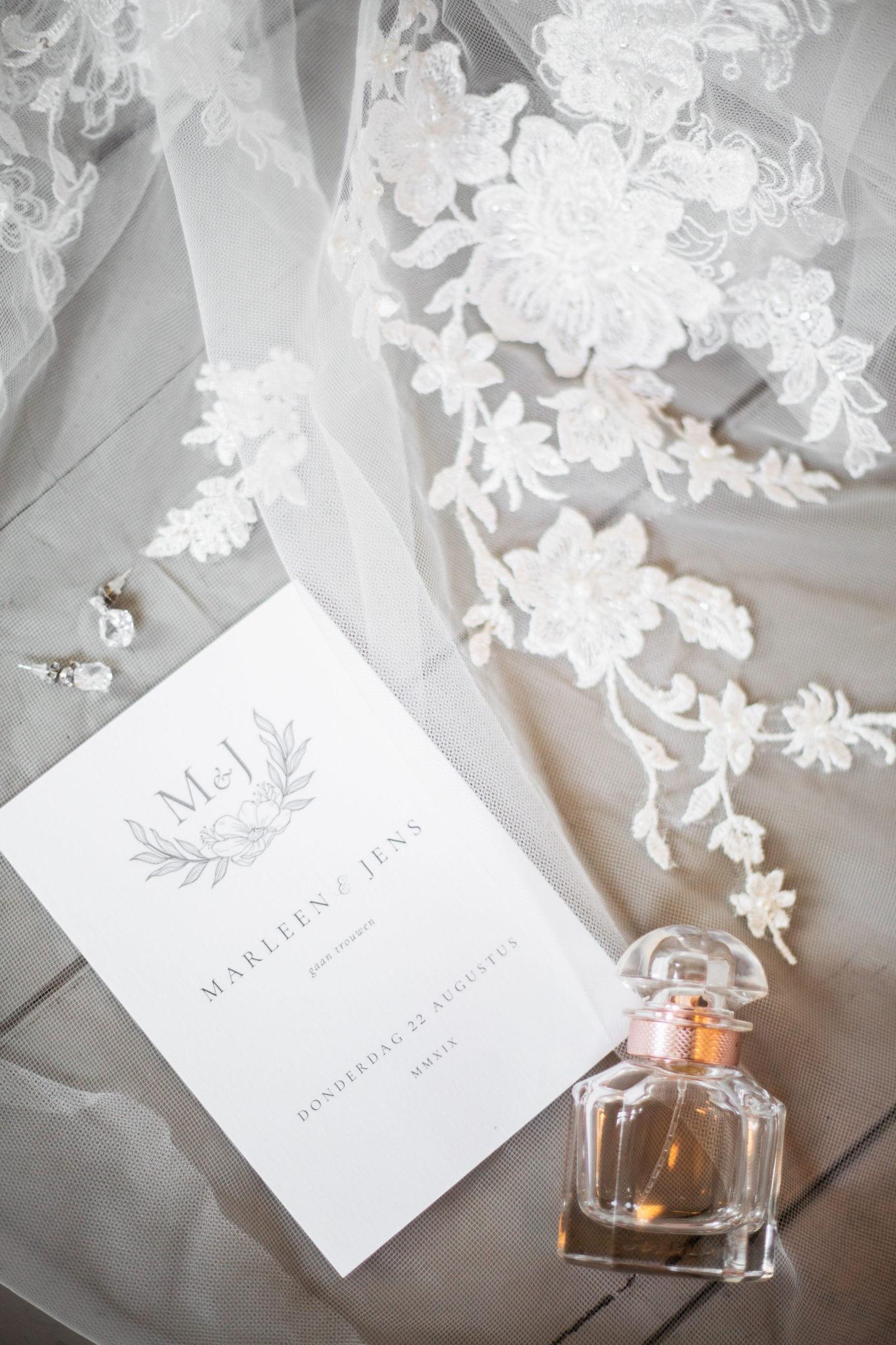 Uitnodiging bruiloft klassiek