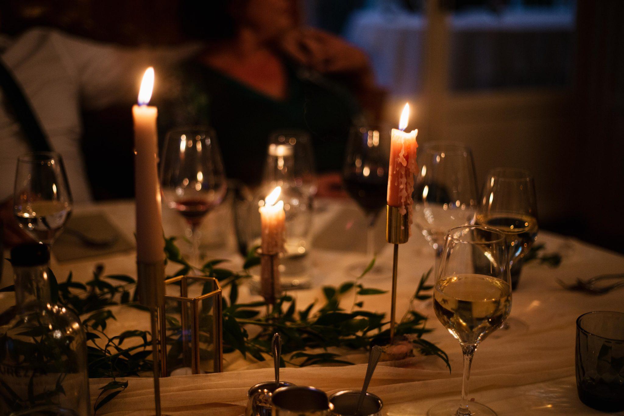 Dineren bij kaarslicht bruiloft