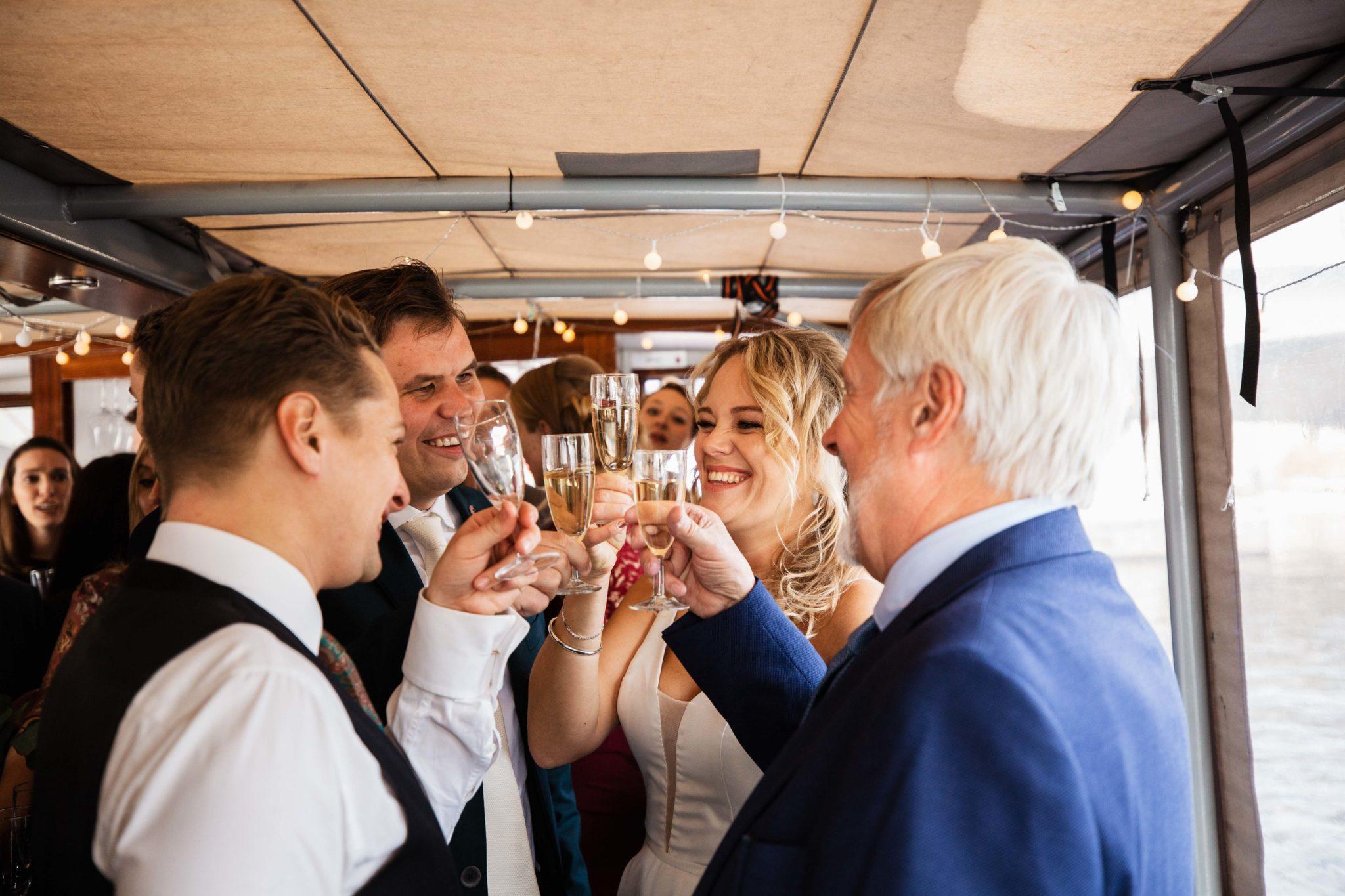 Bruiloft op een boot in Amsterdam