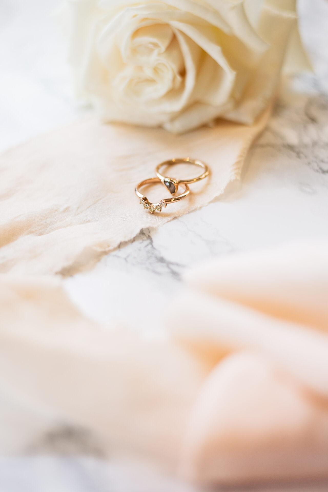 Gouden trouwringen Bruidsfotograaf