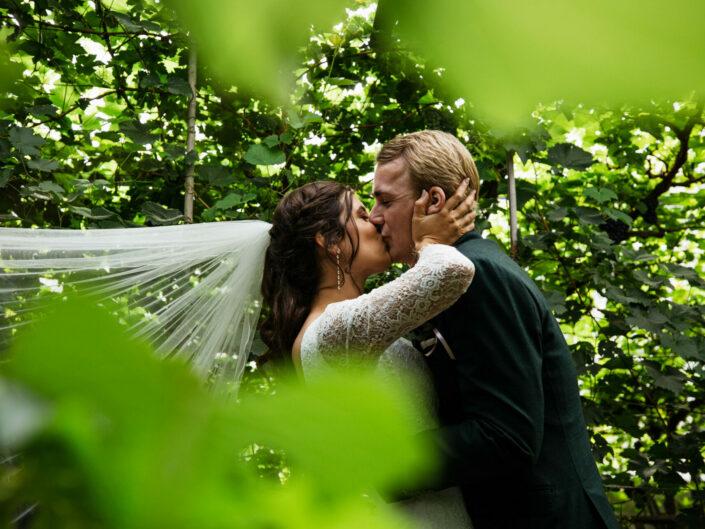 Bruidsfotografie Elburg | Trouwen aan de gracht