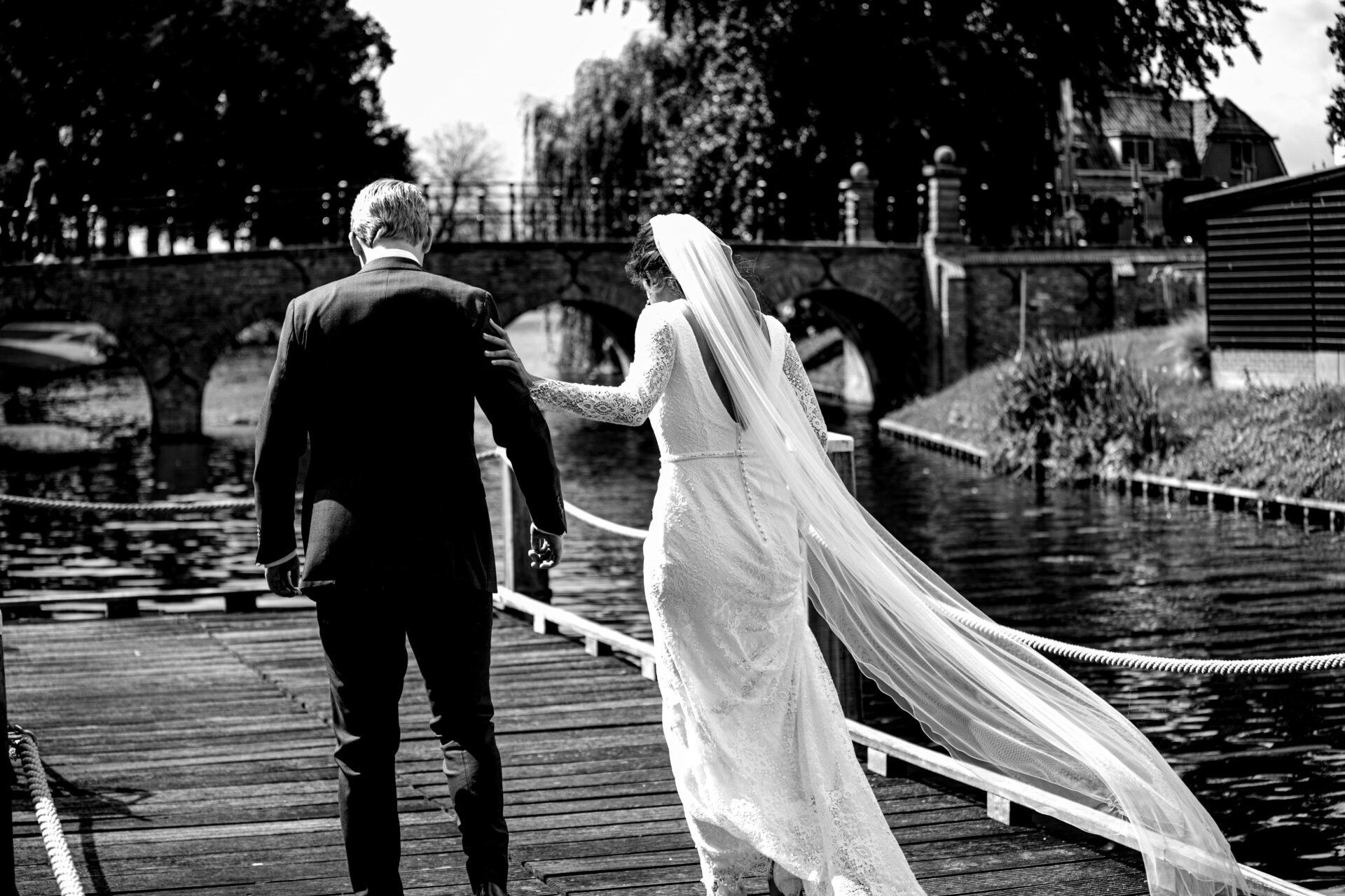 Bruidsfotografie Elburg aan de gracht